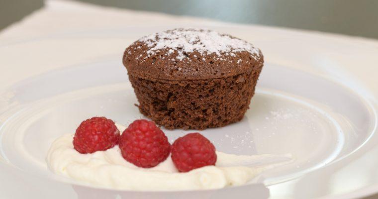Warmes Schokoladentörtchen mit flüssigem Kern